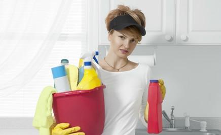 Чистый дом: эксперты рассказали о средствах для уборки, способных справиться с коронавирусом