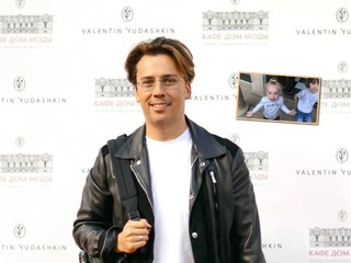 Родненький, любименький: Максим Галкин показал, как его встретили Лиза и Гарри после гастролей