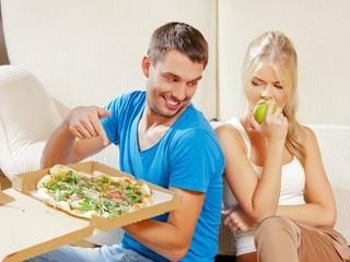 Муж любит вредные продукты, а я готовлю только полезное. Как нам ужиться вместе?