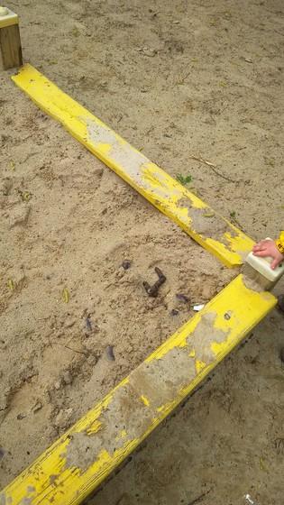 Почему в 21 веке не могут сделать закрытые песочницы?