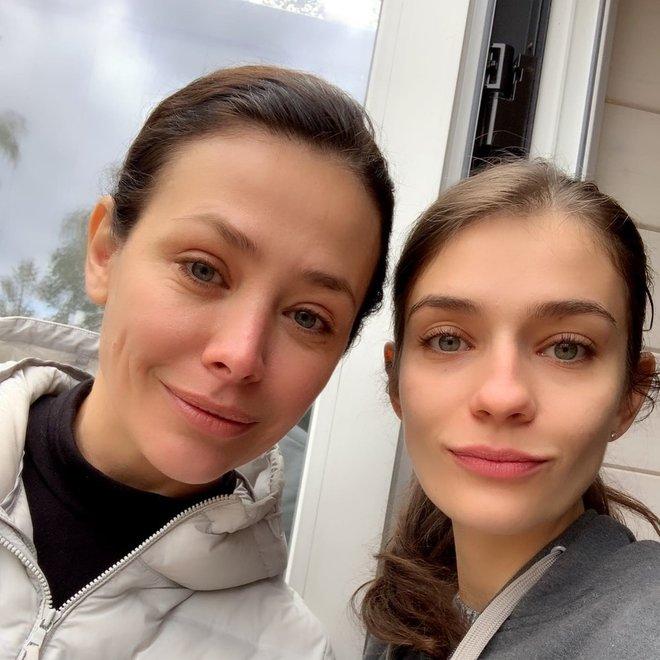 Актриса Екатерина Волкова со старшей дочкой