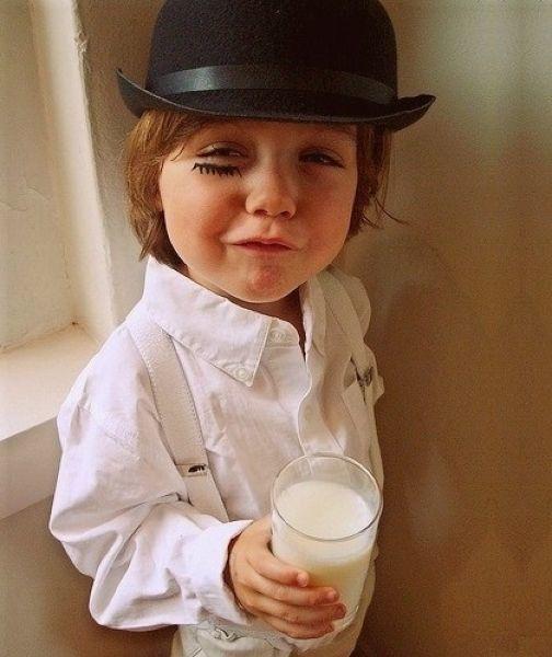 Не все родители одевают детей в дурацкие костюмы