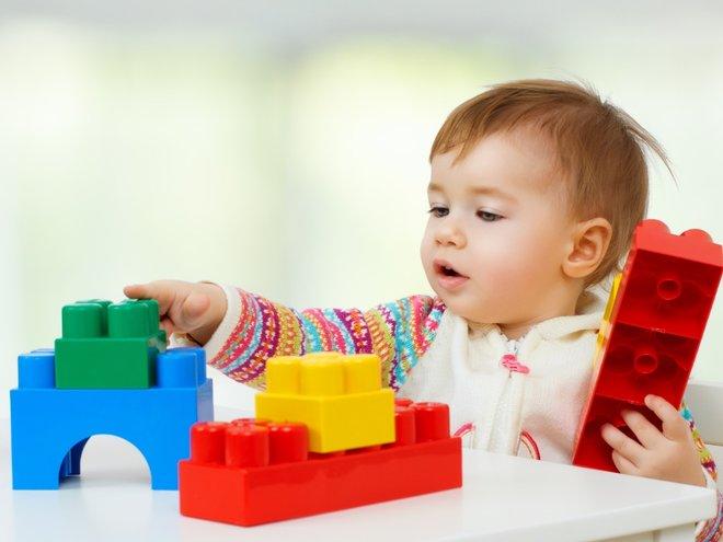 Детские игрушки  для ребенка 11 месяцев