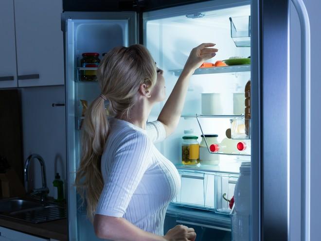 Диетолог рассказала, какие продукты можно есть на ночь