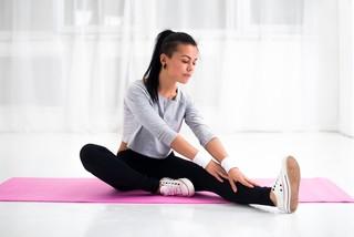 Йога после родов: когда можно заниматься