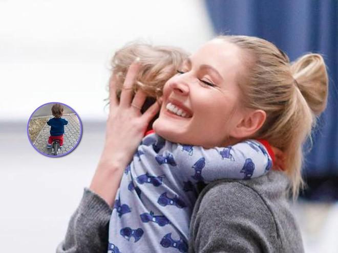 Вася на беговеле: Мария Кожевникова показала новое увлечение младшего сына