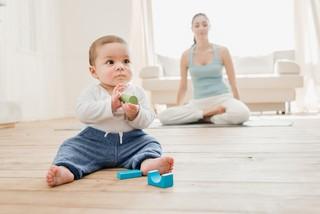 Чем отмыть фломастер с кожи ребенка: безопасные методы