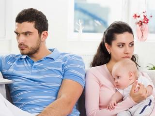 Должен ли муж помогать с ребенком?