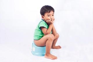 Как лечить понос у ребенка