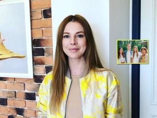 Не отличить: Наталья Подольская показала фото с сестрой-двойняшкой, мамой и младшим братом
