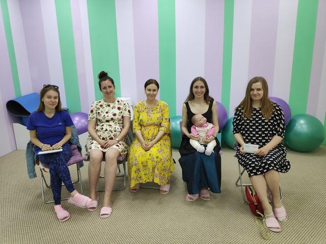 Небольшой отчет: лекция по слингоношению в школе будущих мам