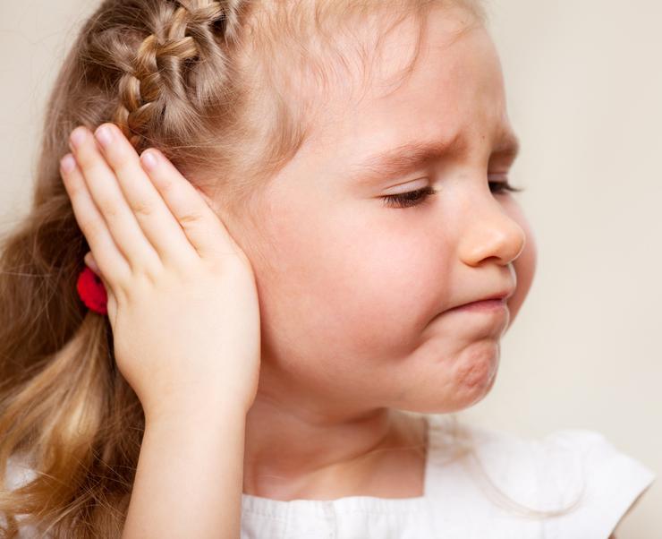Турунды с борной кислотой в уши сколько держать. Как сделать турунду с борной кислотой для лечения ушей, как применять и сколько ее держать в слуховом проходе? Борный спирт в ухо