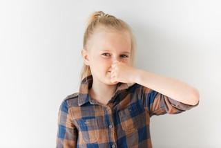 Что делать, если у ребенка изо рта запах ацетона