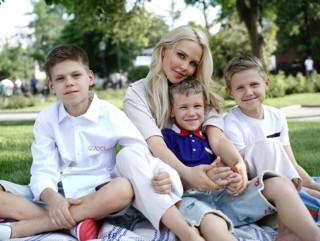Веревочные парки и батуты: Мария Погребняк рассказала о местах, где можно весело отдохнуть с детьми