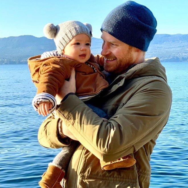 Принц Гарри с сыном Арчи в Канаде