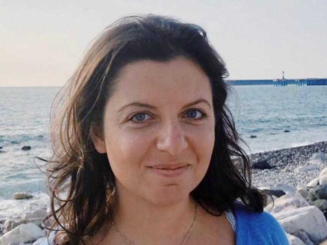 Работа не ждет: Маргарита Симоньян вернулась к работе через 4 дня после рождения третьего ребенка