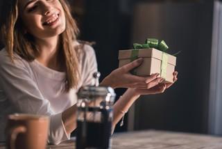 Что подарить свекрови на день рождения: интересные идеи