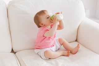 Когда можно начинать искусственное вскармливание новорожденного