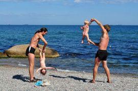 Как проводить динамическую гимнастику для новорожденного