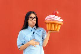 Тошнит после еды: причина тошноты у женщин
