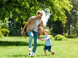 Время с папой – бесценно: ученые выявили, какой эффект оказывают на детей игры с отцами