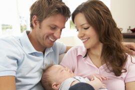Как укачать ребенка спать на руках