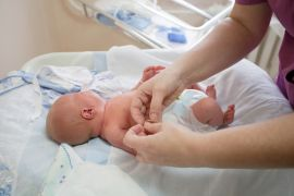 Когда можно гулять с новорожденным после роддома