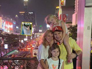 Талантом – в родителей: старшая дочь Алексея Ягудина и Татьяны Тотьмяниной показала необычный трюк в бассейне
