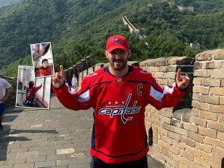 Мини-папа: сын Александра Овечкина в хоккейной форме поздравил отца с днем рождения