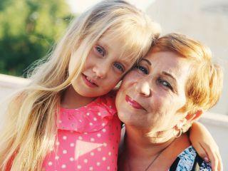 Бабушка мечтала, как будет заниматься с внучкой, а теперь злится...