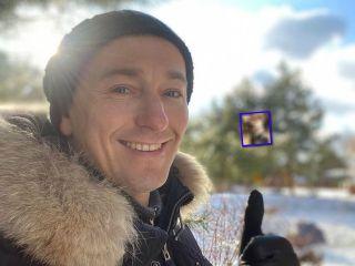 Видео с «гоночного трека»: 1,5-годовалый сын Сергея Безрукова освоил беговел