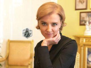 Такой красивый и молодой: Ксения Алферова поделилась детским снимком с папой Александром Абдуловым