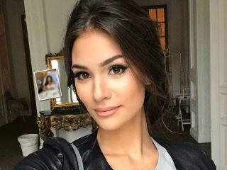 Как все было: Анастасия Шубская опубликовала уникальные снимки из роддома