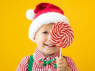 Диетолог-эндокринолог подсказал, как убедить ребенка не съедать конфеты из новогоднего подарка