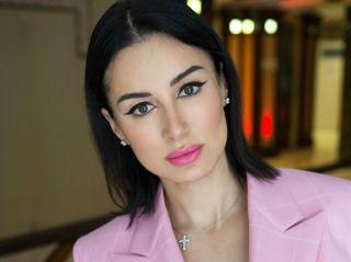 «Спасайте шею пока не поздно»: Тина Канделаки поделилась основными правилами ухода за Y-зоной