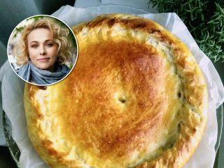Просто и необычно: Анна Легчилова поделилась семейным рецептом постного пирога... с гречкой