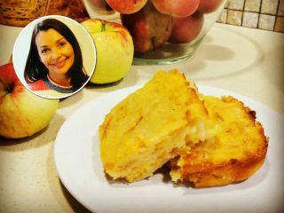 Невероятно вкусно и быстро: актриса Наталия Антонова поделилась рецептом яблочного пирога