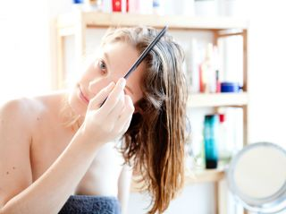 Волосы мечты: 5 типов средств несмываемого ухода