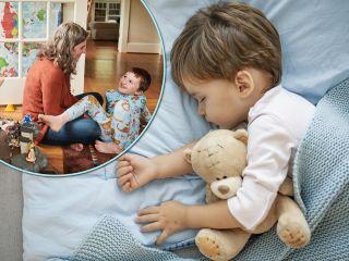 Очень просто: молодая мама нашла идеальное средство, которое помогает сыну заснуть за считанные минуты
