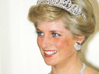 От скромного к смелому: визажист принцессы Дианы рассекретила, что было в ее косметичке