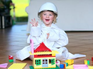 5 простых шагов: эксперт подсказал, как обезопасить дом для малыша в летний период