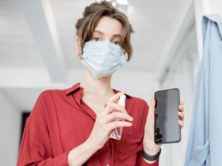 Защита от нового коронавируса: эпидемиолог пояснил, как дезинфицировать гаджеты