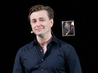 «Маше нравится»: Сергей Безруков растрогал поклонников видео, как они с дочкой коротают время в дороге
