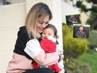 Родители разыграли малышку с подарком на Рождество: ее реакция заставляет улыбаться!