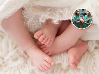 Медсестры-двойняшки помогли женщине родить близнецов