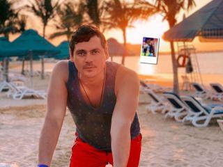 «Моя гордость»: актер Александр Пашков впервые показал фото со всеми детьми
