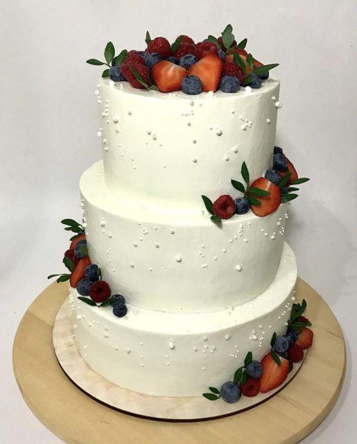 Тортик на свадьбе ❤️❤️.