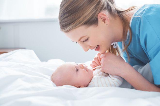 Жировики на лице у новорожденного: причины и лечение