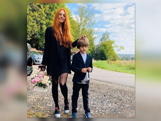 Солистка группы «Чи-ли» Ирина Забияка отвела сына в 1 класс