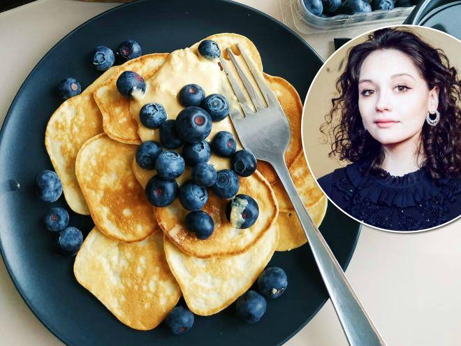 Сама стройность: дочь Любови Толкалиной поделилась рецептом оладьев, которые не навредят фигуре
